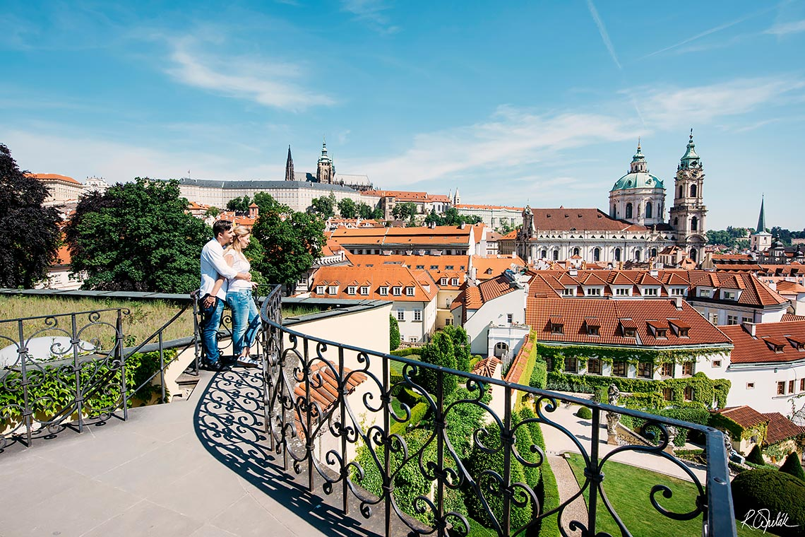 pre-wedding photography in Prague