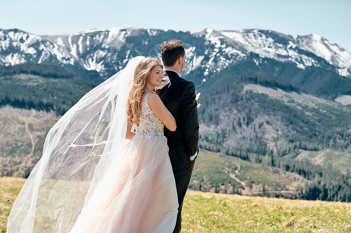 bride met groom for the first time in mountains