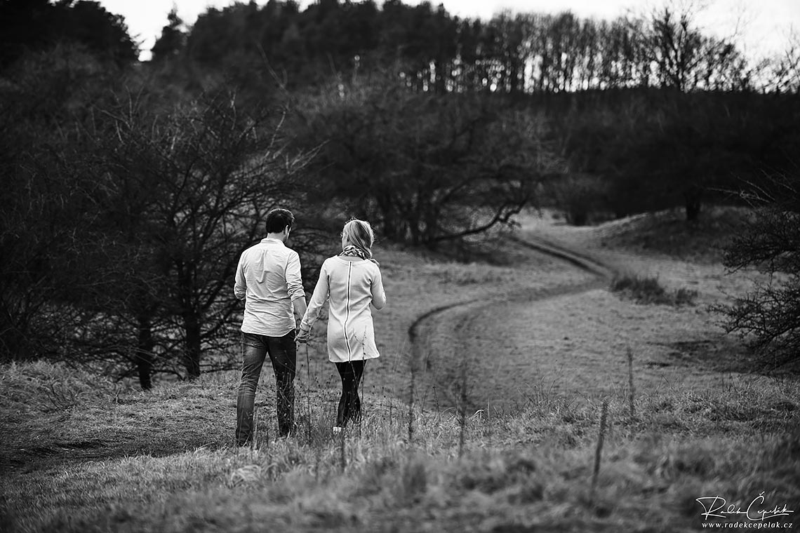 walking couple engagement photography