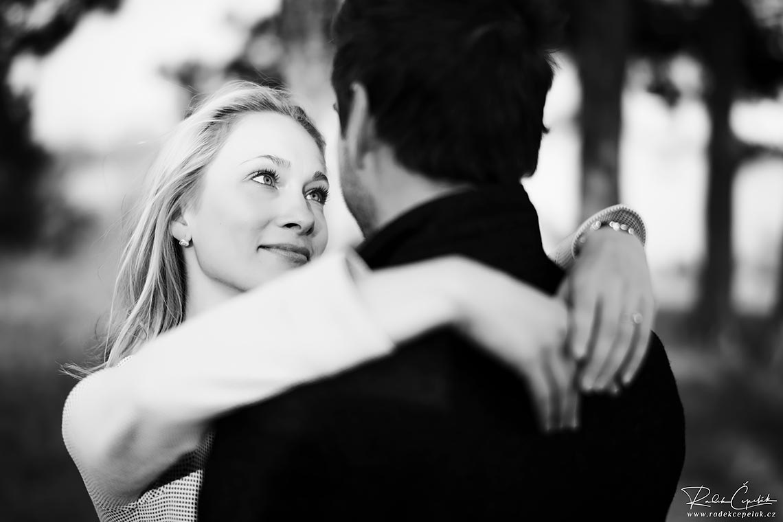 smiling engagement photography