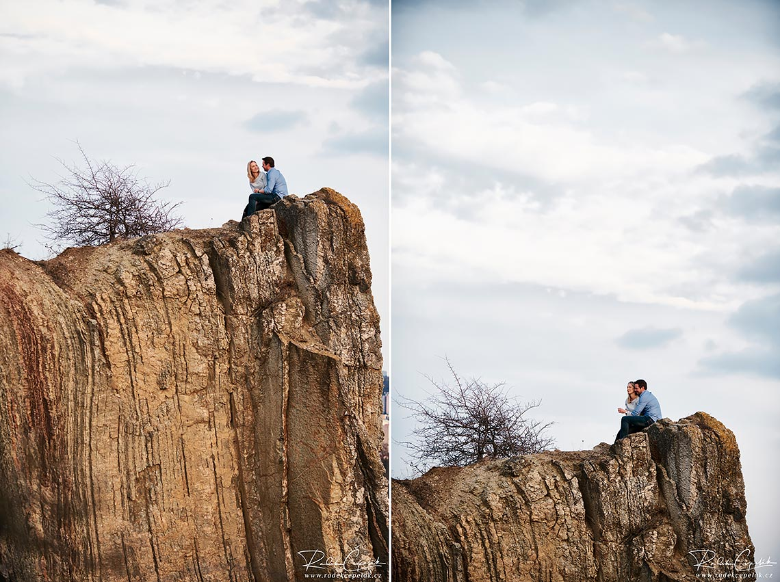 engagement photography on rocks