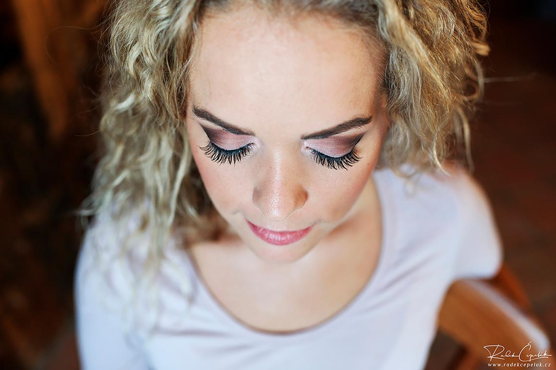 eye lashes and makeup of bride after makeup artists finish