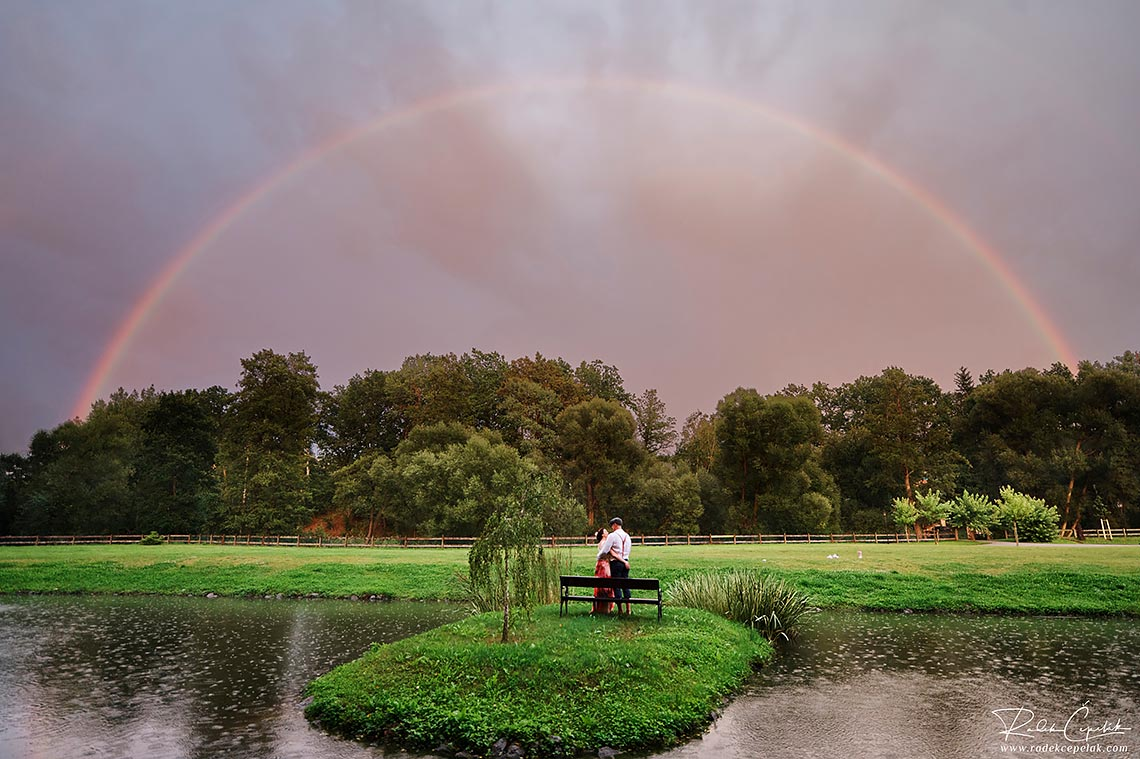 wedding photo mill Hodejovice with rainbow