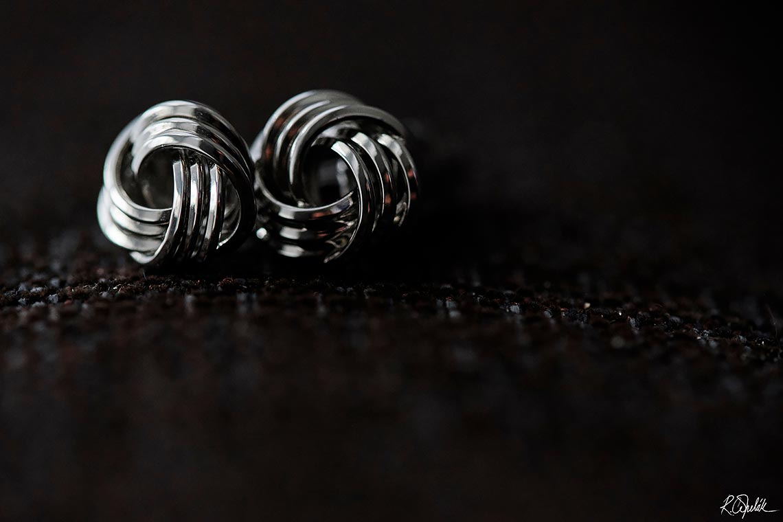 detail photo cufflinks