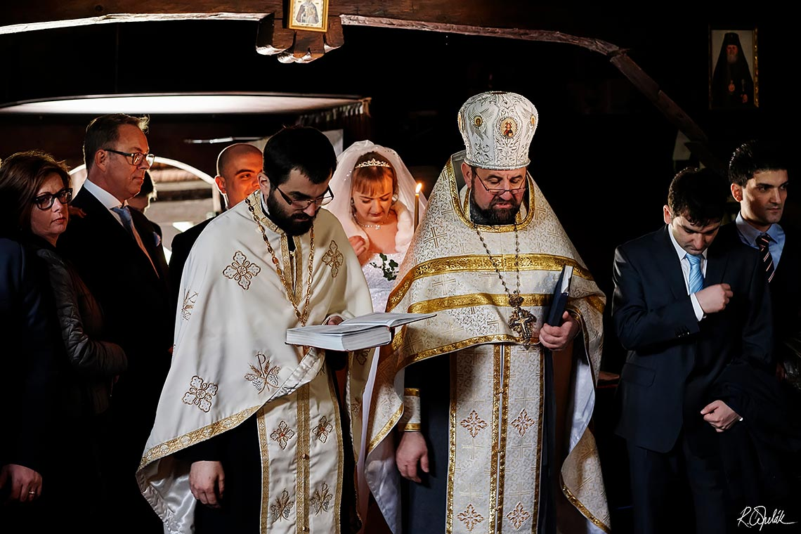 wedding ceremony in the Church of the Archangel Michael in Prague