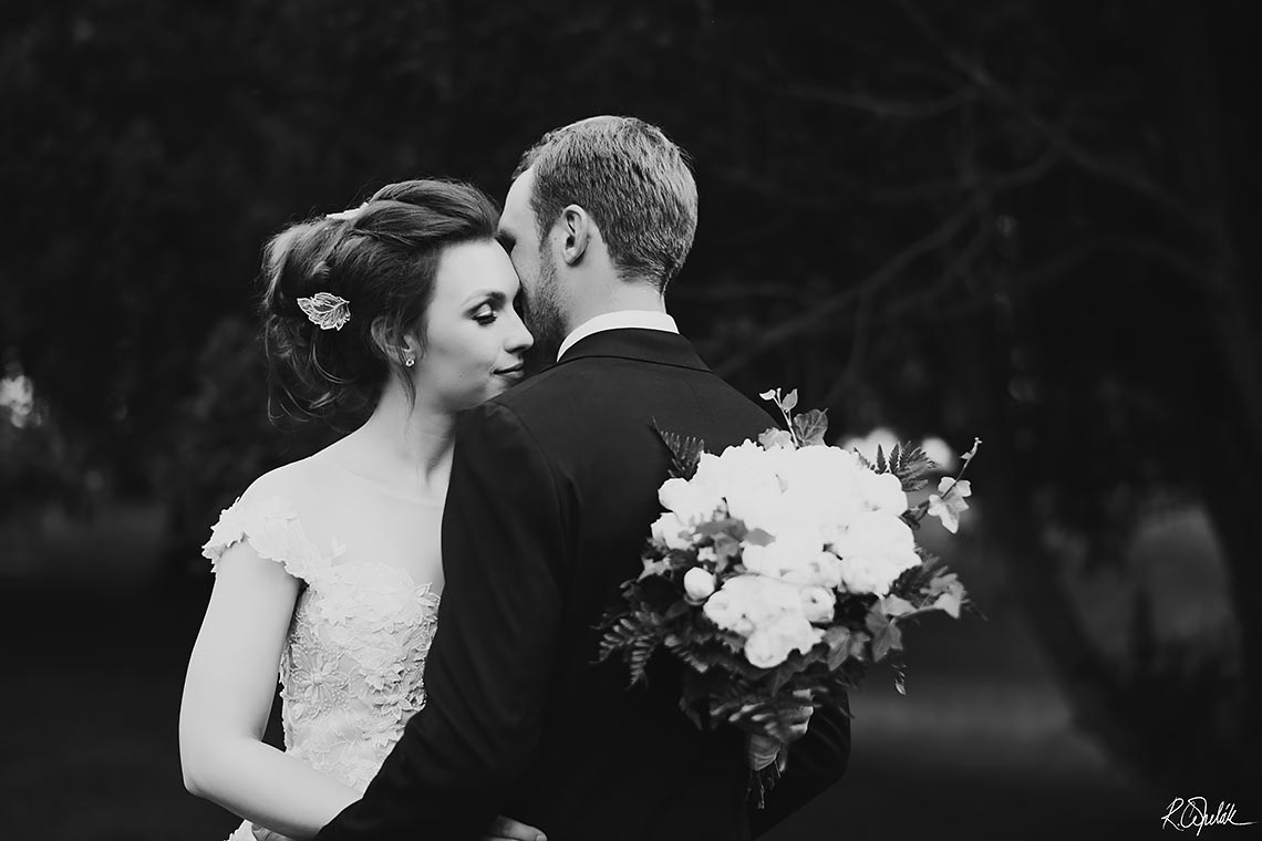bride and groom black and white wedding photography