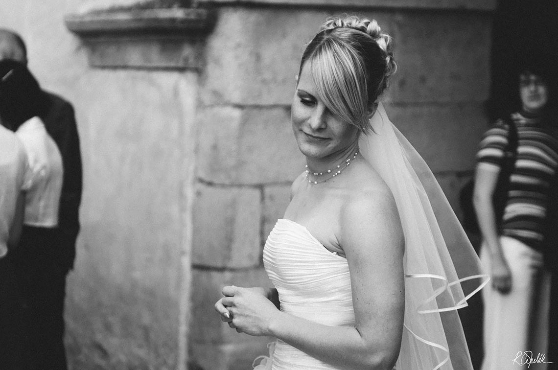 snapshot of bride before ceremony at Telc